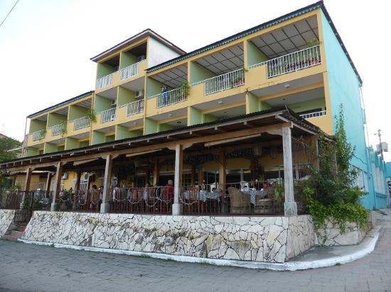 Hotel Santana Flores