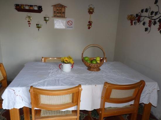 Hotel Los Encuentros: Breakfast room