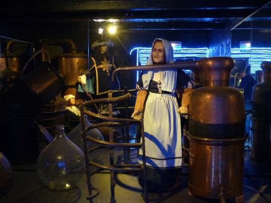 """Musee de l'alambic - Distillerie Jean Gauthier: L'une des pièces du """"musée"""""""