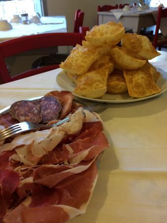 Antica Trattoria al Duomo: Torta fritta con salumi... TUTTO ECCEZIONALE!!