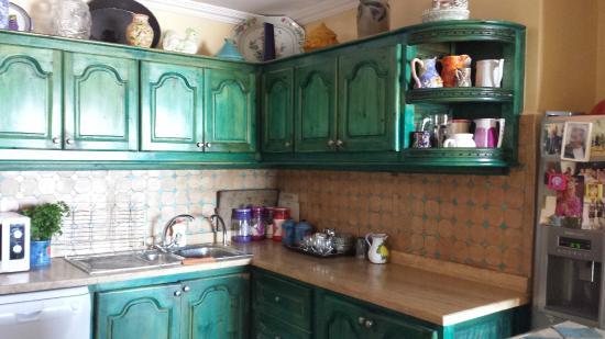 la cuisine commune - Foto de Sally's Bed & Breakfast, Mirleft ... on
