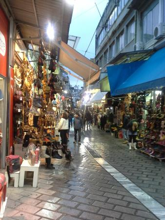 Athens Odeon Hotel: local shopping
