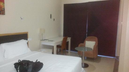 Metropole Hotel Kampala: Room