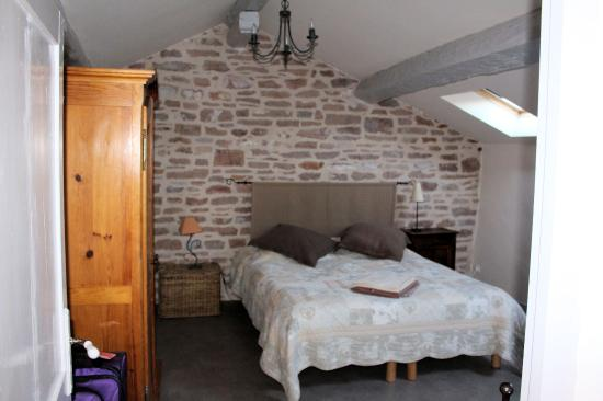 Chateau de Leynes : The main bedroom