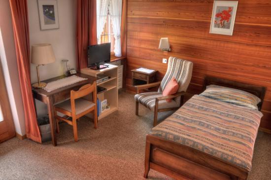 Zeneggen, Suiza: Grosses Einzelzimmer