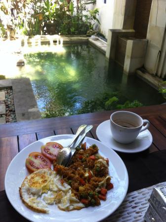 Enjoying Nasi Goreng Bandung and Chai beside The Crystal Plunged Pool at Al-Isha