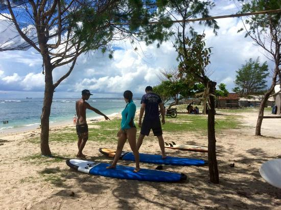 Desu de Bali Surf - Surfing Courses: Serangan Beach