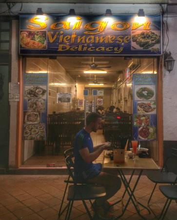 Saigon Vietnamese Delicacy: Must-try in Geylang.