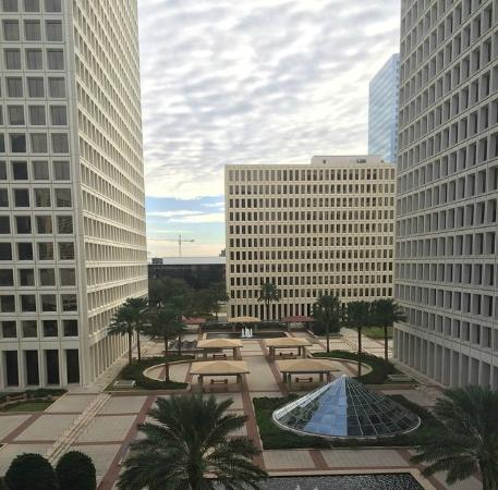 DoubleTree by Hilton Houston - Greenway Plaza : View from my room