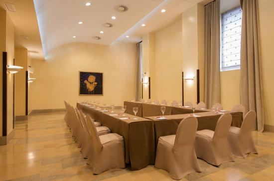 NH Collection Palacio de Burgos : Meetinig room