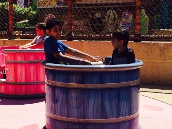 Adventure World: kids having fun