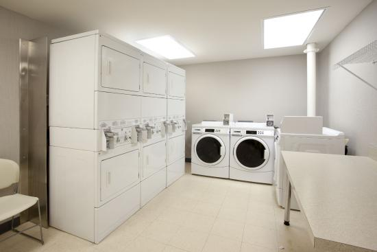 Residence Inn Jackson Ridgeland: Washer and dryers available for guest