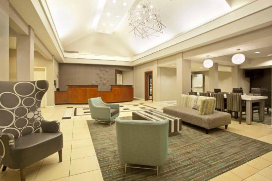 Residence Inn Jackson Ridgeland: Relax in our lobby, watch tv or read a book