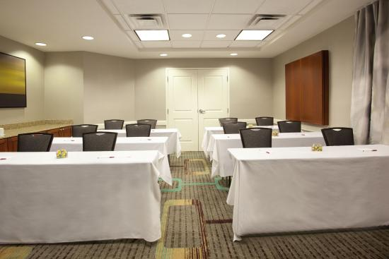 Residence Inn Jackson Ridgeland: Meeting room serve Corporate Meetings and Hospitality Room