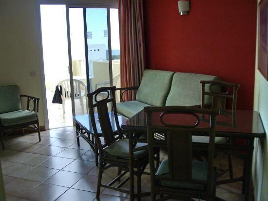 Apartmentos Morasol: salotto
