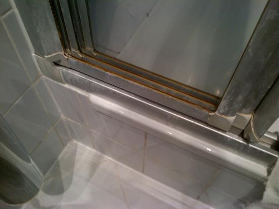 Hotel Cult: Die Dusche