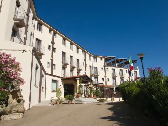 Hotel Santrano: Außenbereich/Hoteleingang