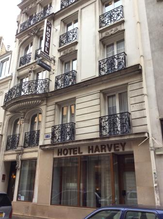Hotel Harvey: The entrance