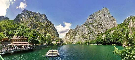 Hotel & Restaurant Canyon Matka: Panoramic view at Lake Matka