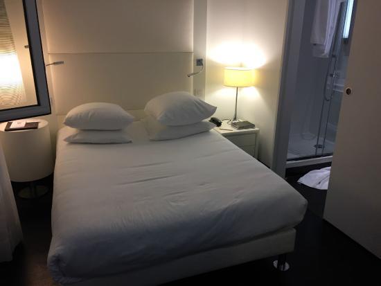 Le Windsor Grande Plage Biarritz : Chambre 705