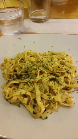 Pane Vino e San Daniele: Delicious mushroom pasta