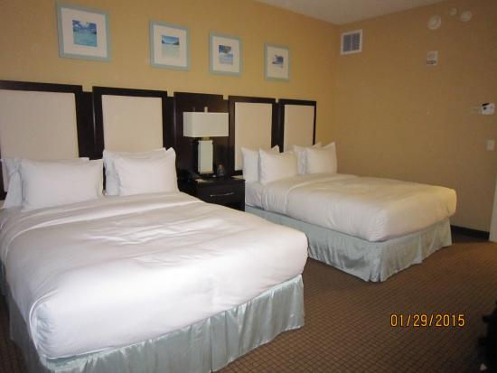 queen bedroom picture of hilton suites ocean city oceanfront