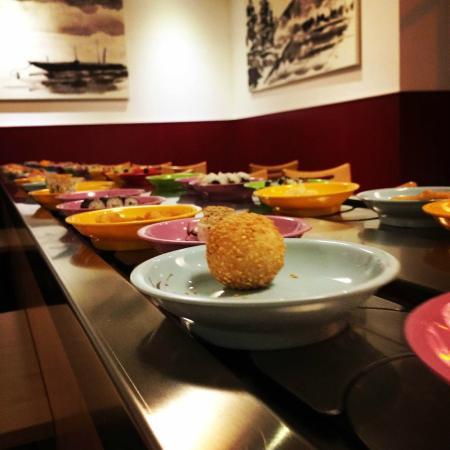 running sushi bild von japanrestaurant osaka n rnberg tripadvisor. Black Bedroom Furniture Sets. Home Design Ideas