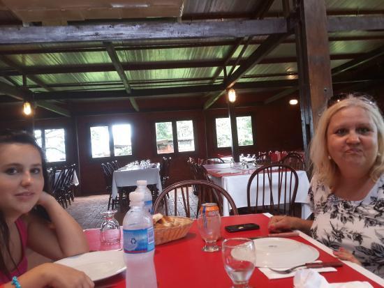 Cabanas Del Lenador Hotel: Preparandonos para el desayuno