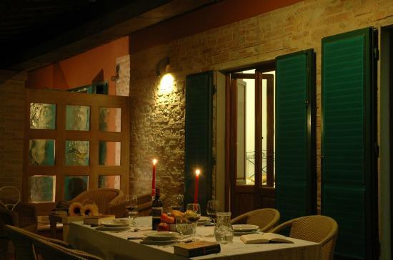 Montespertoli, Włochy: gazebo notturno