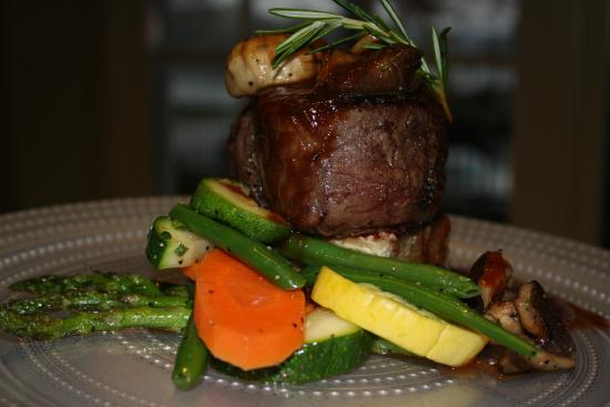 Char's at Tracy Mansion : Beef Tenderloin