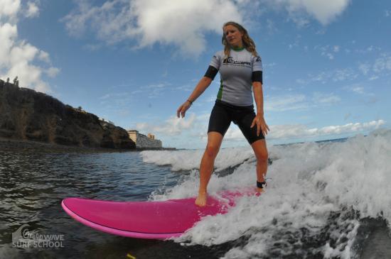 Green Wave Surf School: dritte Surfstunde