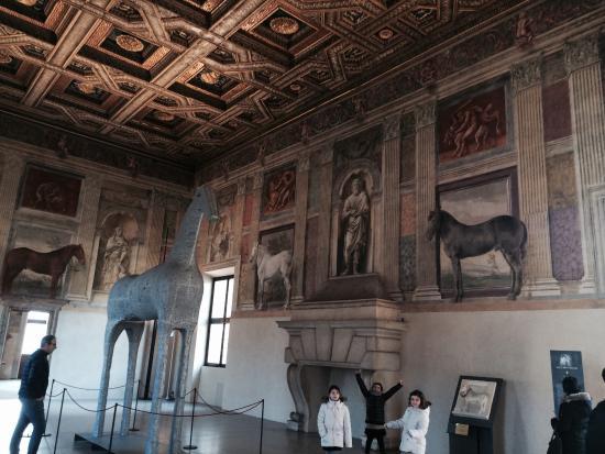 La stanza dei cavalli foto di palazzo te mantova for Stanza mantova