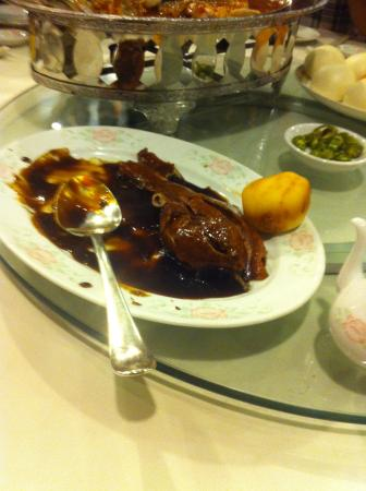 Meisan: Highly recomended braised duck with deep fried bun