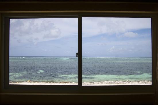 Maafushi Inn: Вид из окна. Второй этаж.