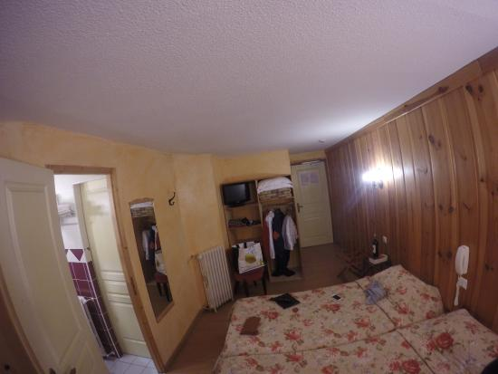 Hotel Picheyre : Our room