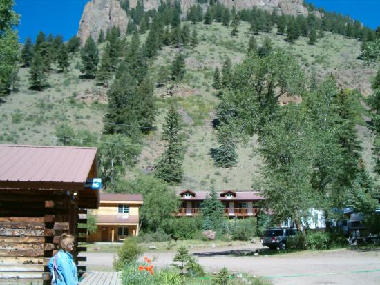 Blue Creek Lodge and restaurant : the equity complex