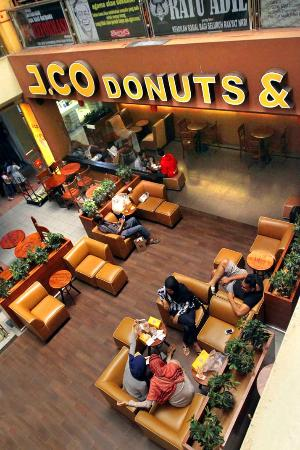 J.Co Donuts & Coffee - Metropolitan Mall