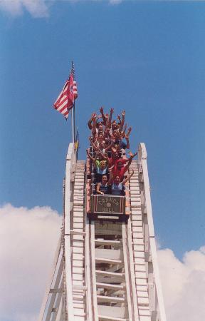 Lake Winnie Amusement Park: Cannon Ball Roller Coaster