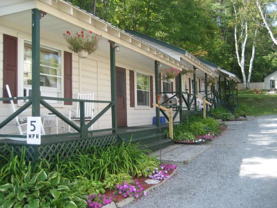 Lakeview Inn: Connected Cottages