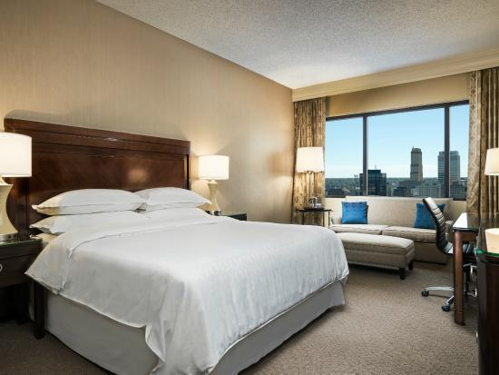 Sheraton Memphis Downtown Hotel: Deluxe King Guest Room