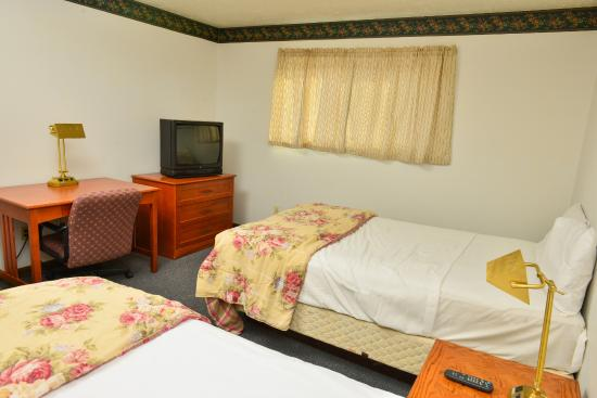 Americas Best Value Inn Extended Stay: Bedroom