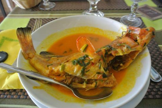 Poisson au court bouillon extra photo de le poisson d - Court bouillon poisson maison ...