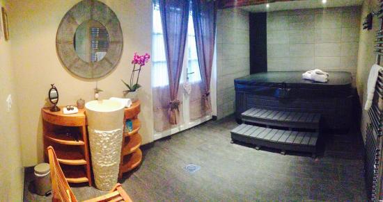 jacuzzi photo de la pomme d 39 amour honfleur tripadvisor. Black Bedroom Furniture Sets. Home Design Ideas