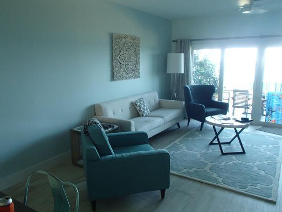 Coconut Bay Condo: Living Room