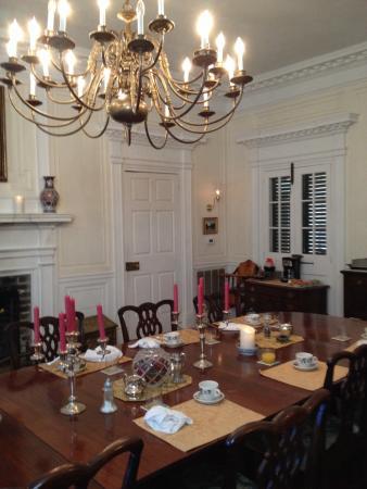 Mansfield Plantation: Diningroom