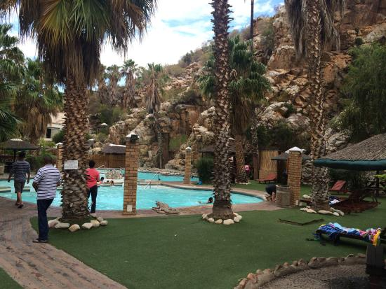 Montagu Springs Resort: Warm pools