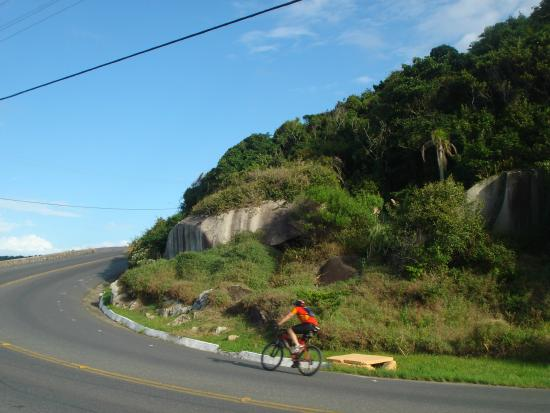 Taquarinhas Beach: acesso