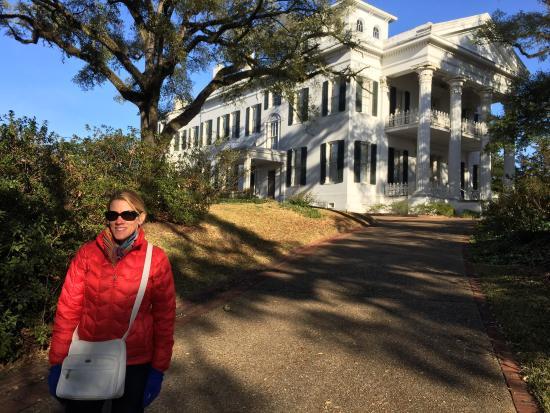 Natchez, MS: Outside the house