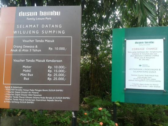 Cisarua, Indonesia: Tiket Masuk Dusun Bambu