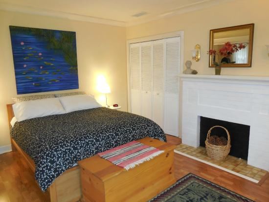 Sanborn Guest House: Bedroom - very clean